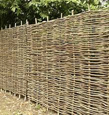 Papillon Premium Hazel Hurdle Woven Wattle Garden Fence Panel 1 8m X 1 2m 6ft X 4ft With 1 Year Warranty Amazon Co Uk Garden Outdoors
