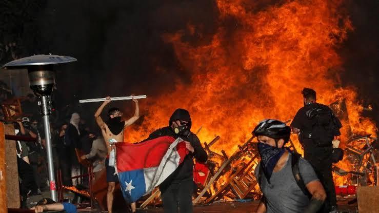 """Resultado de imagem para PROTESTO NO CHILE"""""""
