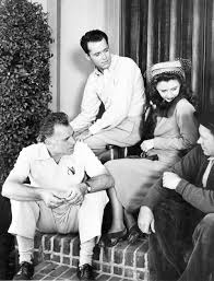 barbarastanwyck: Barbara Stanwyck, Henry Fonda and Wesley Ruggles on a  break from filming You Belong to Me (1941) | Barbara stanwyck, Henry fonda,  Hollywood actor