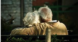 Ở lứa tuổi già quan hệ tình dục nguy hiểm chết người cho đàn ông |  baotintuc.vn
