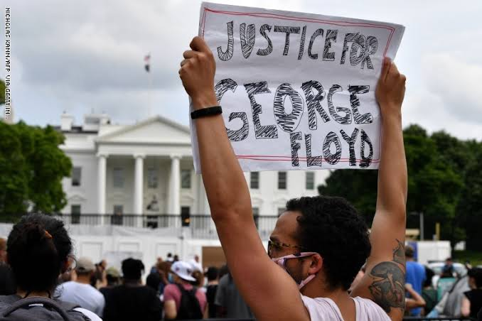 نتيجة العنصرية اغلاق البيت الأبيض احتجاجا على مقتل جورج فلويد  Images?q=tbn%3AANd9GcRmXHRfR2n5Bo96GBwQtZsFtNRElfl693zddBWxJgdd34MpngGf&usqp=CAU
