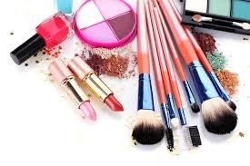 4 makeup essentials for an easy and