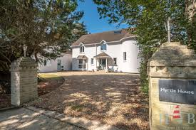 Cottage near the Sea - Bembridge - Myrtle House - HB Holiday Lettings -