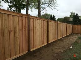 7 Tall Cedar Privacy Fence With 6x6 Posts 2x6 Top Cap 6 Overlapping Pickets And 1x4 Top And Bottom Trim Ww Wood Fence Design Fence Design Backyard Fences