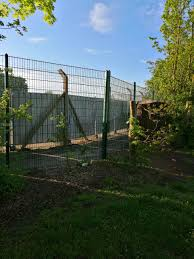 Ruskin Junior School Fence Targeted By Vandals Equipped With Bolt Cutters Swindon Advertiser