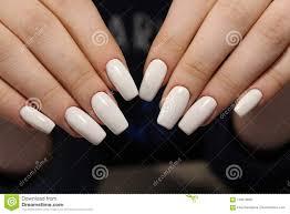 Modny Bialy Manicure Obraz Stock Obraz Zlozonej Z Opieka 110479607