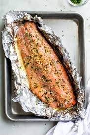 Garlic Butter Baked Salmon in Foil ...