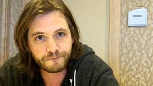 Who is Aaron Stanford dating? Aaron Stanford girlfriend, wife