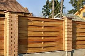 20 Wood Fence Designs Blending Traditions And Modern Ideas Fence Design Wood Fence Design Wood Fence