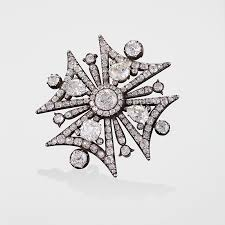gold and silver maltese cross brooch