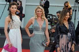 Kiera Chaplin - Padrenostro Premiere - 2020 Venice Film Festival-01
