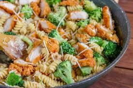 broccoli en alfredo pasta kylee
