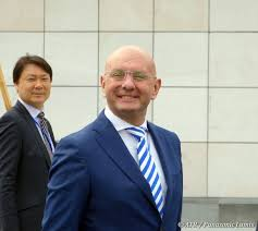 Ivo Ferriani of FIBT (right). Yasuhiro Nakamori of the Japanese Olympic  Committee is on the left. (With images) | Mens sunglasses, Olympic  committee, Olympics