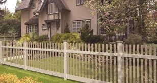 Best Vinyl Fence Updated October 30 2019 Check And Pick