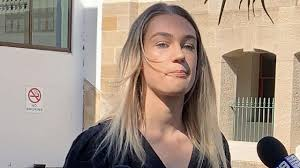 Casey Holmes, Polly Powell deny attacking Bulli man after viral videos |  News Local