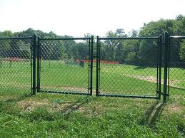 Pinnica Inc Chain Link Fence Doors And Gates Fabrication And Installments Large Or Small Projects Aluminized Galvanized Architectural Color Coated Images Proview