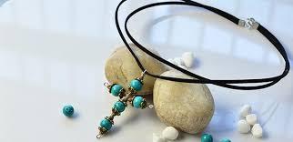 simple cross pendant necklace