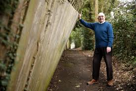 The Leaning Fence Of Rickmansworth Council Refuses To Fix Dangerous Fence Watford Observer