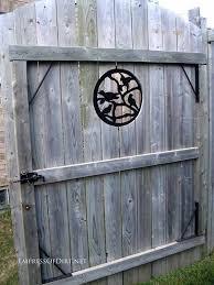 25 Creative Ideas For Garden Fences Empress Of Dirt Backyard Fence Decor Garden Fencing Fence Art