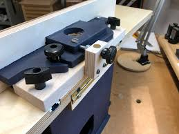 A Micro Adjustable Router Table Fence Woodsmith