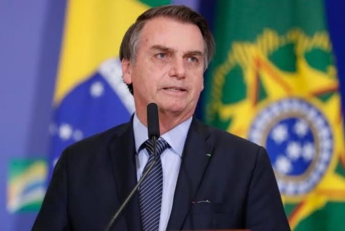 """Resultado de imagem para Bolsonaro confirma novo salário mínimo de R$ 1.045 a partir de fevereiro"""""""