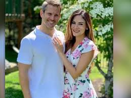 Rep. Adam Kinzinger proposes to girlfriend Sofia; she says 'yes'