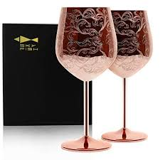 wine glasses from love is blind