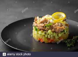 Salad with canned tuna and vegetables ...