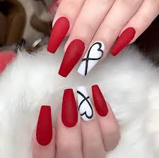 Paznokcie Na Walentynki Czerwony A Moze Slodkie Wzorki