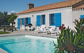 location villa challans avec piscine