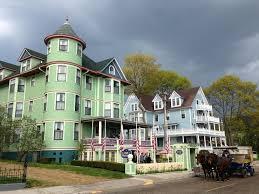 stay on historic mackinac island