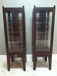 display cabinets thomas museum series