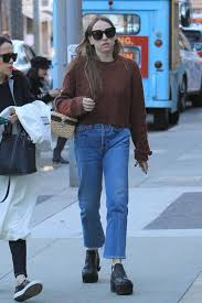 Sarah Sutherland: Christmas shopping in Beverly Hills -03   GotCeleb