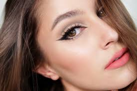 eyes look charming cat eye makeup