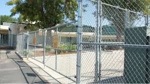 5 Easy Steps To Install Chain Link Fence Slats