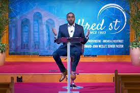 Sabbatical cut short, megachurch pastor relished quiet, turns to pandemic