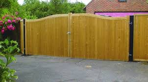 Courtyard Gate Hythe Jacksons Fencing