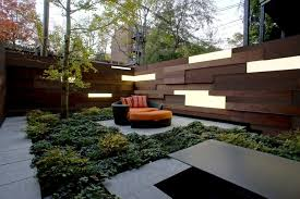 For The Hot Tub Area This Would Be Amazing Love The Suble Lighting In The Wall Modern Garden Modern Garden Lighting Small Urban Garden