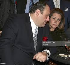 James Gandolfini and Lorraine Bracco ...