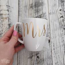 Diy Gold Foil Heart Plate And Mr Mrs Mugs With The Cricut Explore Air The Diy Mommy