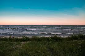 horizon landscape upon lake michigan