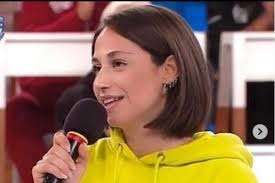 Chi è Giulia Molino? Età, carriera e vita privata della cantante ...