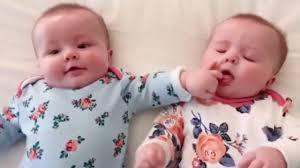 اجمل ضحك ومواقف اطفال توائم تجميع فيديوهات توائم مضحكة 2019