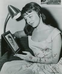 Janet Munro - Movies & Autographed Portraits Through The DecadesMovies &  Autographed Portraits Through The Decades