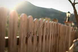How Much Does It Cost To Fence In Your Yard Spending Us News