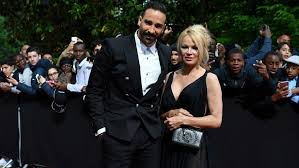 Pamela Anderson Posts Messages She Allegedly Exchanged With Adil Rami's Ex  | Entertainment Tonight