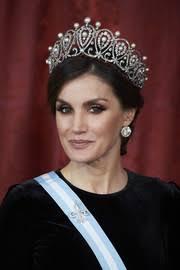 queen letizia of spain beauty stylebistro