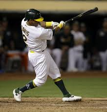 A's hold off placing Khris Davis on IL for at least two days ...