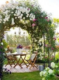 arches in the garden landscape