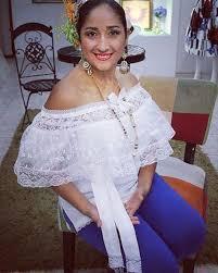 Hermosa camisola con vuelo de #organza talla M con fajon a juego Precio  95.00 | Trajes elegantes, Vestidos tipicos panameños, Vestidos estilizados  panameños